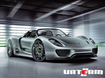 Серийный Porsche 918 Spyder сохранит три мотора