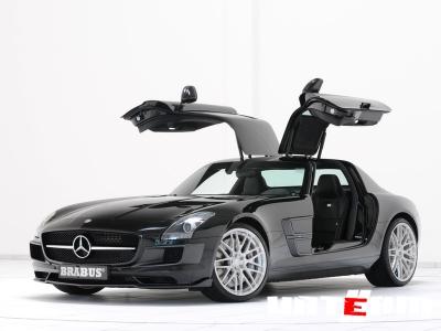 Mercedes откорректирует суперкар SLS AMG 2012