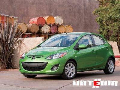 Mazda2 умеет экономить топливо на зависть гибридам