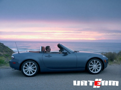 Борьба с лишним весом оставит Mazda MX-5 без бардачка