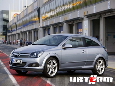 Opel Astra GTS впервые подвергся тюнингу