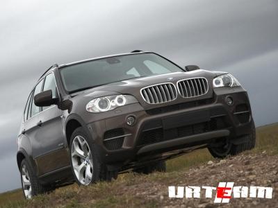 BMW отзывает модели X5 и третью серию
