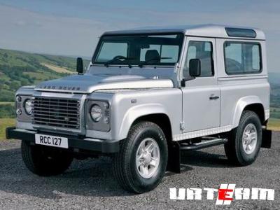 «Старичок» Land Rover Defender не торопится на покой