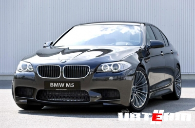 BMW M5 F10 – спортивный город
