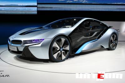BMW избавляется от проводов