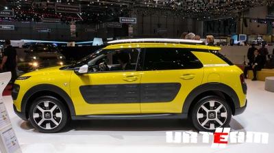 Компания Renault выпустит аналог модели Citroen C4 Cactus